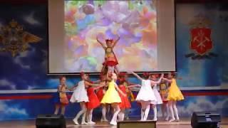"""Сувенирная плясовая. Коллектив современного танца """"Кураж"""", Кемерово."""