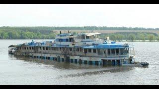 Кораблекрушение круизного теплохода. Shipwreck of a cruise ship